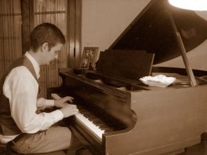 bw-piano